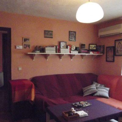 diseño de interiores home staging interiorismo y decoraciónimagen del salon de una casa de tamaño mediano antes de ser intervenido por un diseñador de interiores